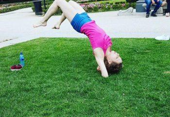 """[Yoga] Provocarile din spatele posturilor """"imposibile"""""""